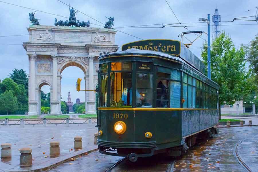 Castello Sforzesco – Abendessen in der historischen Straßenbahn – Castello Sforzesco.