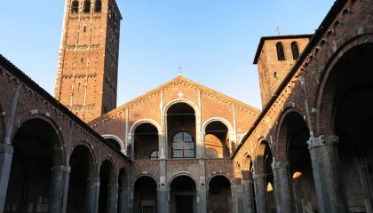 San Ambrogio und Säule des Teufels
