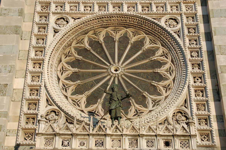 Dom von Monza Außenfenster