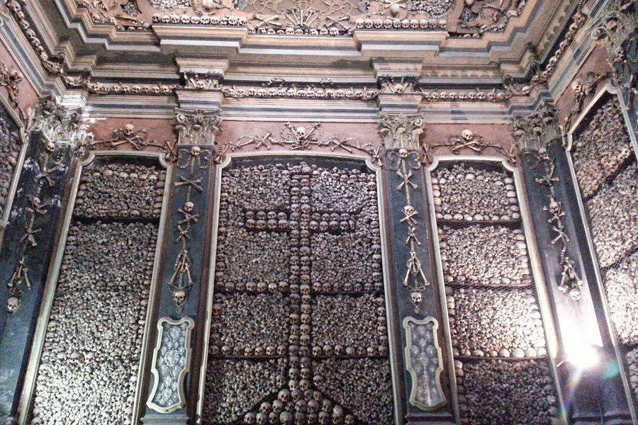 San Barnerdino alle Ossa vom Innen